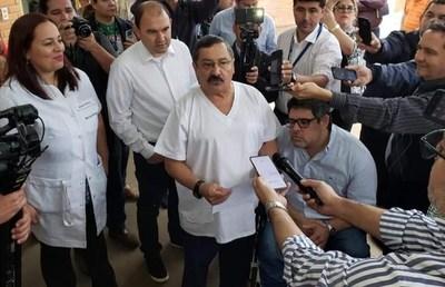 Dr. Luis Giménez: ''No me voy ahora para que no digan después que corro de los problemas''