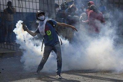 """Oposición permanece atrapada en su bastión y resto de Caracas en """"normalidad"""""""