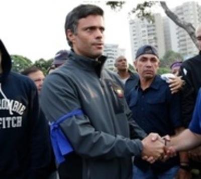 Leopoldo López deja embajada chilena y se traslada a embajada española