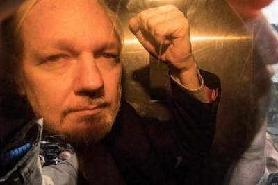 Prisión para el fundador de WikiLeaks