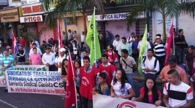 Cuestionan fuerte apoyo de Abdo a Guaidó mientras descuida a compatriotas
