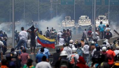 Venezolanos vuelven a salir a las calles por el fin del chavismo
