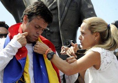 López se refugia en la embajada española en Caracas