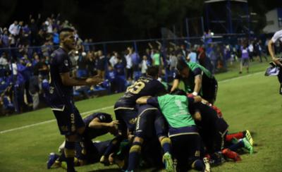 HOY / Se sobrepone a todo y avanza de ronda en Copa Sudamericana