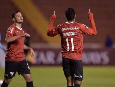 Independiente avanza