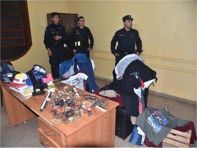 Tres adolescentes detenidos tras robo de una tienda