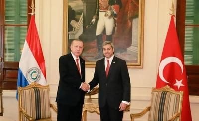 Abdo y su gobierno buscan afianzar relaciones económicas con Turquía y la región