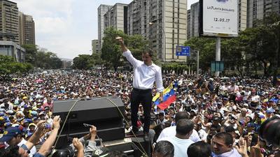 """Guaidó asegura que """"no hay vuelta atrás"""" hasta que salga Maduro"""