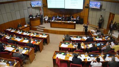 En marcha a la sesión de la Cámara de Senadores