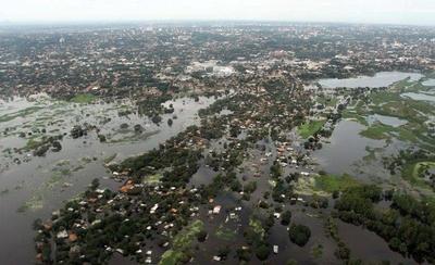 HOY / El río Paraguay está bajando pero aún mantiene nivel crítico