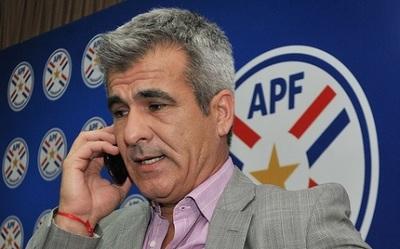 """Elizondo admite """"grave error"""" y analiza sancionar a árbitros"""