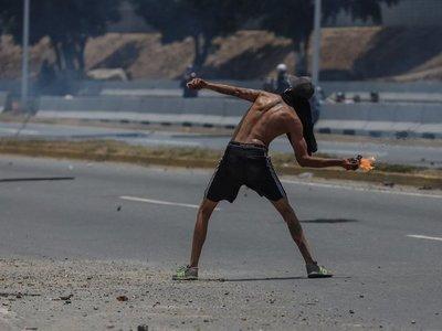 Venezuela: Dos nuevos muertos en protestas, esta vez, adolescentes