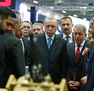 Justicia falla a favor de periodistas críticos con Erdogan