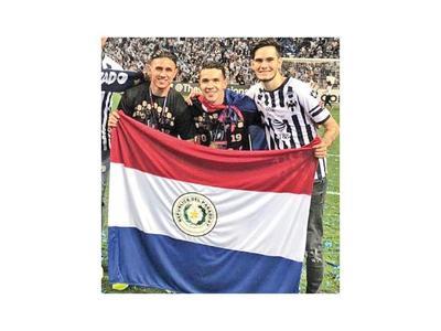Bareiro y Ortiz se consagran en México