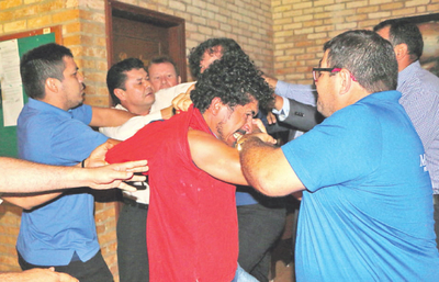Se toman a golpes en  la Juta Municipal de CDE
