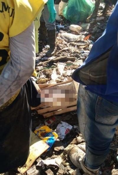 Hallan muerto a un bebé en zona de Cateura