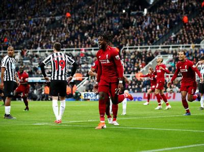 Liverpool despachó al Newcastle sobre la hora