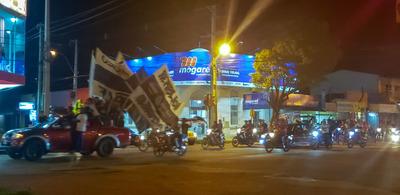 Concepción: Con caravana festejan el tricampeonato de Olimpia
