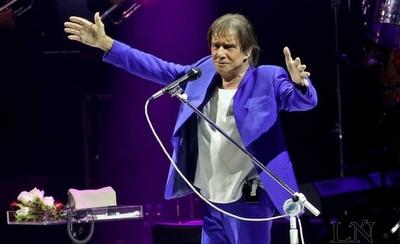 """HOY / Noche de """"amor sin límites"""" en Asunción, con show de Roberto Carlos"""