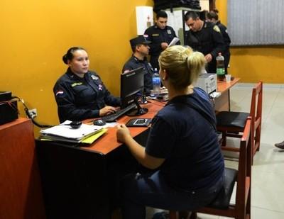 Detienen a seis colombianos