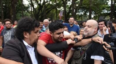 Tenso clima al cierre de la jornada electoral en Ciudad del Este