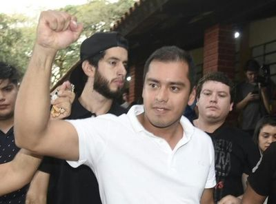 Prieto triunfa en CDE