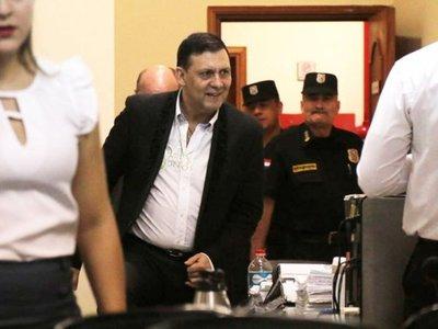 Indignados piden la pérdida de investidura de Víctor Bogado