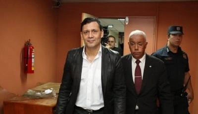 Exigen pérdida de investidura de Víctor Bogado tras condena