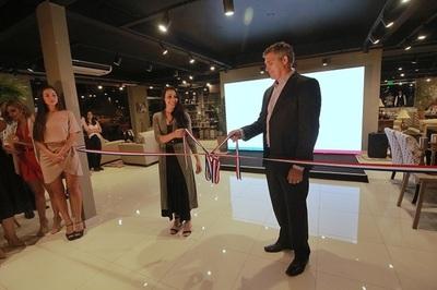 Inauguran local con nuevos conceptos en mueblería