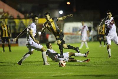 Guaraní ganó a River Plate en su visita a los Jardines del Kelito