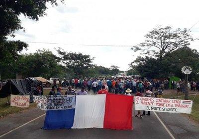Pobladores cierran ruta en Concepción