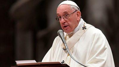 El Papa pide a la Madre Teresa que ayude a que se escuche el grito de los pobres