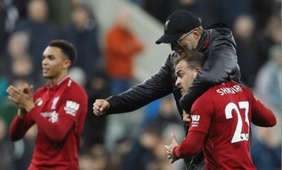 Liverpool va por el milagro