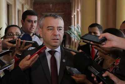 Ejecutivo evalúa constantemente a su Gabinete, asegura asesor político