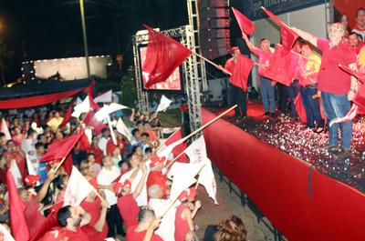 "González Vaesken insta a participar y echar al ""clan"""