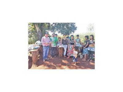 Asisten a alejada comunidad de indígenas de Mayor Otaño