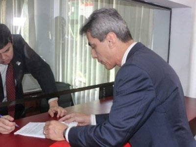 Padre de Alex Villamayor pide destitución del director de la cárcel de Encarnación