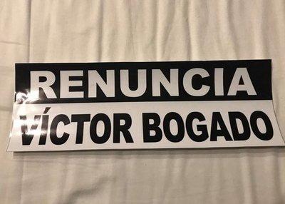 Jóvenes exigen que Bogado salga del Senado