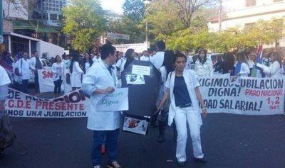 Aguardan promulgación de ley de régimen jubilatorio para médicos · Radio Monumental 1080 AM