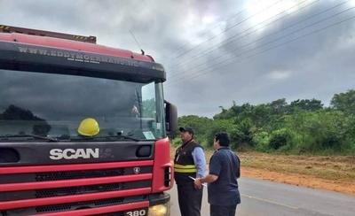 HOY / Camioneros: mayoría no tiene  IPS, trabajan más de 8 horas,  no ganan ni sueldo mínimo