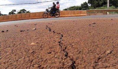 El paso a desnivel de avenida Perú presenta hundimiento y rajaduras