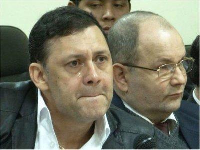 Senadores acuerdan tratar el lunes destitución de Víctor Bogado