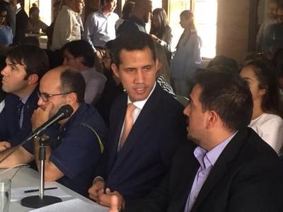 'Los que secuestraron el poder en Venezuela lo único que hacen es difundir el terror'-  Guaidó, tras el arresto de Zambrano