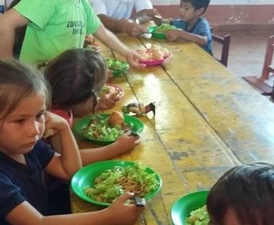 Empresaria aclara sobre precio unitario de almuerzo escolar