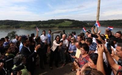 Franqueños celebraron con júbilo el inicio del puente en Franco