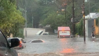 Abdo pone instituciones a disposición por intensas lluvias