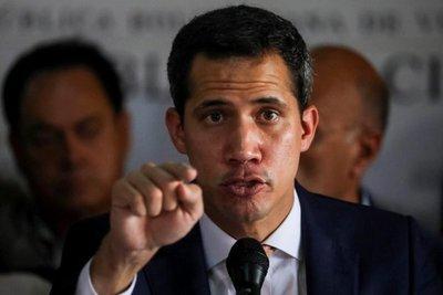 Guaidó llama a las calles frente a represalias de Maduro