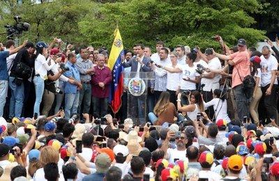 Guaidó pide no desfallecer ante la dictadura chavista