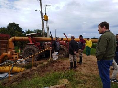 Pilar: instalan 12 motobombas para acelerar desagote de barrios inundados