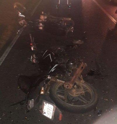Motociclista fallece tras choque con otro biciclo en Paraguarí